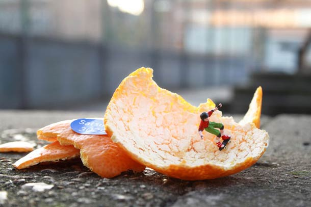 slinkachu-street-art